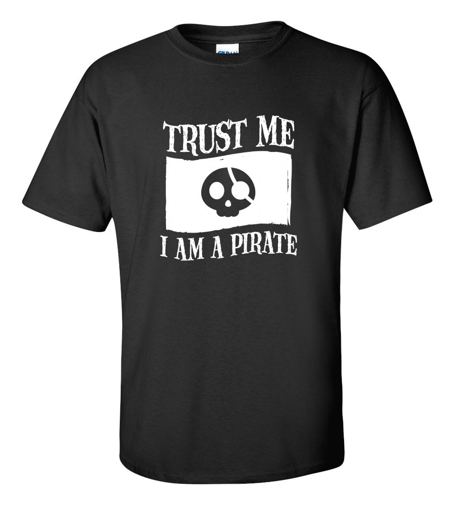 Halloween Trust Me I Am A Pirate T-shirt Funny Scary